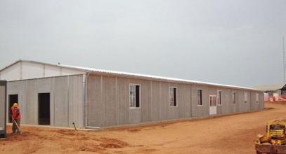 Egyelőregyártott bányászati munkahely építése Szenegál